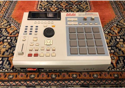 Akai MPC-2000XL