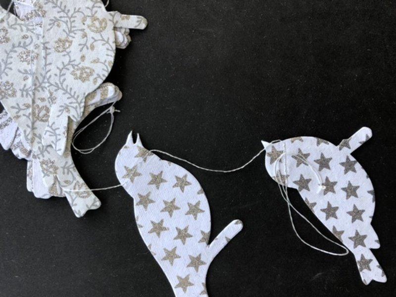 Versierendoejezo Slinger Papier Vogels wit zilver 3 meter