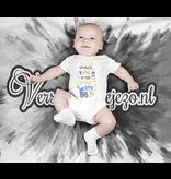 Romper so much joy in this little boy - Baby romper met tekst - korte mouw rompertje - maat 74-80 - kraamcadeau  zwangerschapscadeau babyshower baby kleding leuke tekst - rompertjes baby