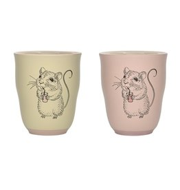 cup with mouse