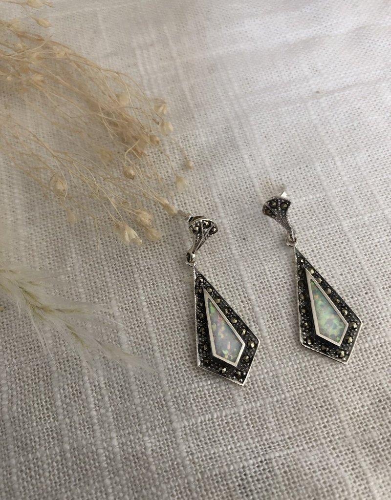 Silver earrings with opal