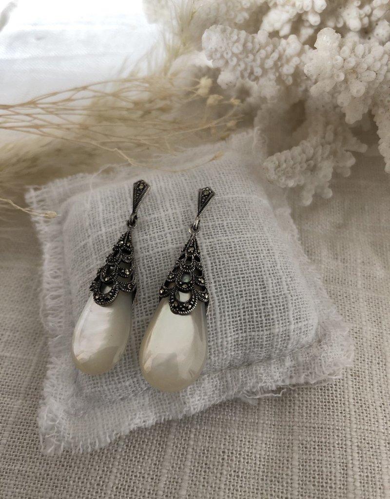 Oorbellen parelmoer druppelvormig