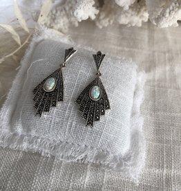 Art deco oorbellen opaal
