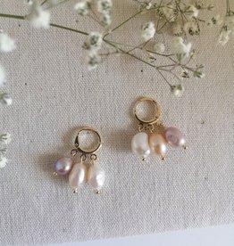 Kleine oorbellen met 3 parels