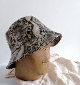 Fisherman hat snake print