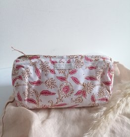 Toiletry bag pink
