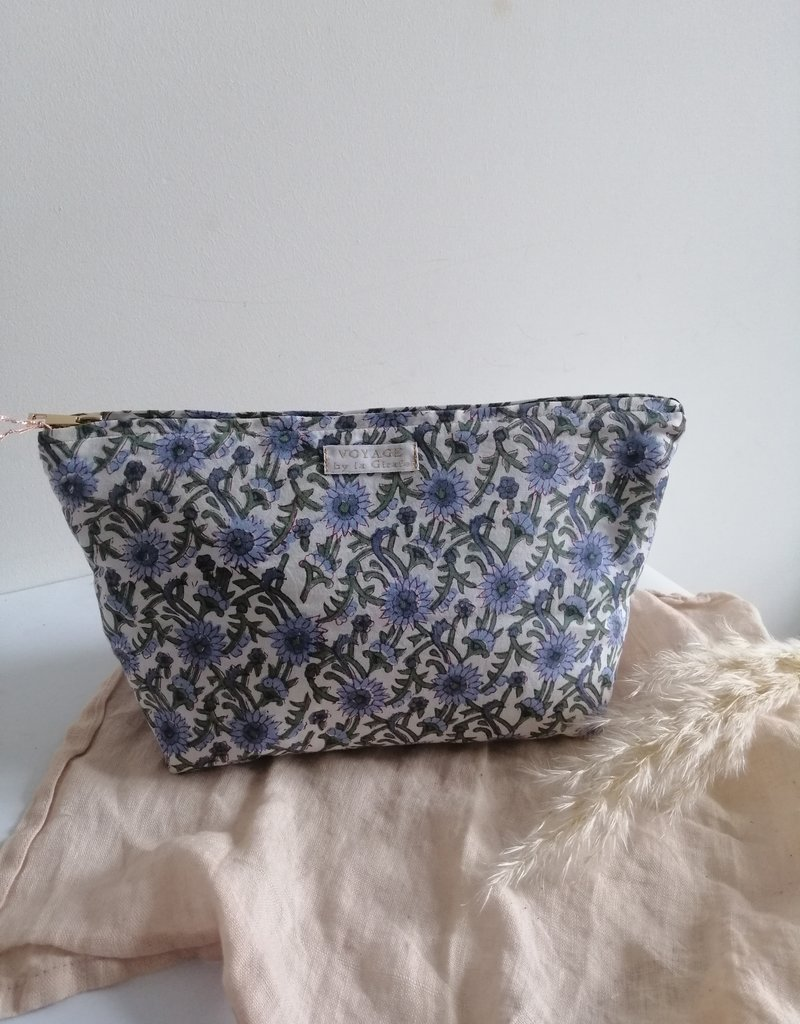 Toiletry bag blue