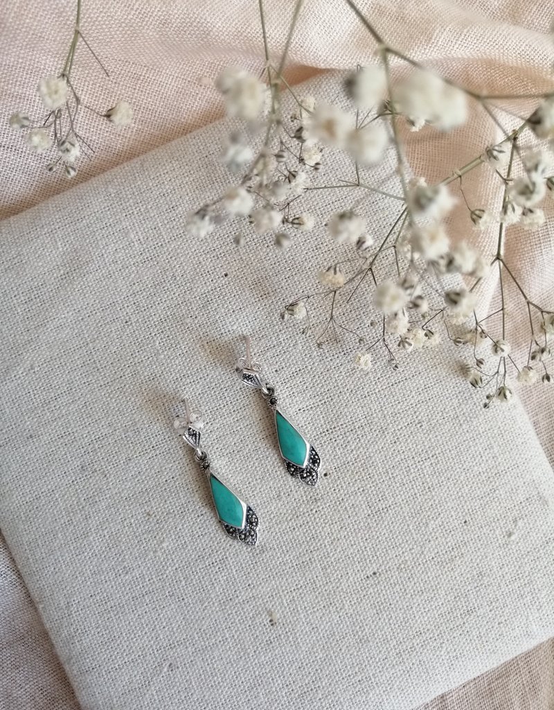 Earrings with turquoise