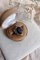 Ring lapis lazuli geslepen