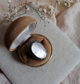 Ring mother of pearl