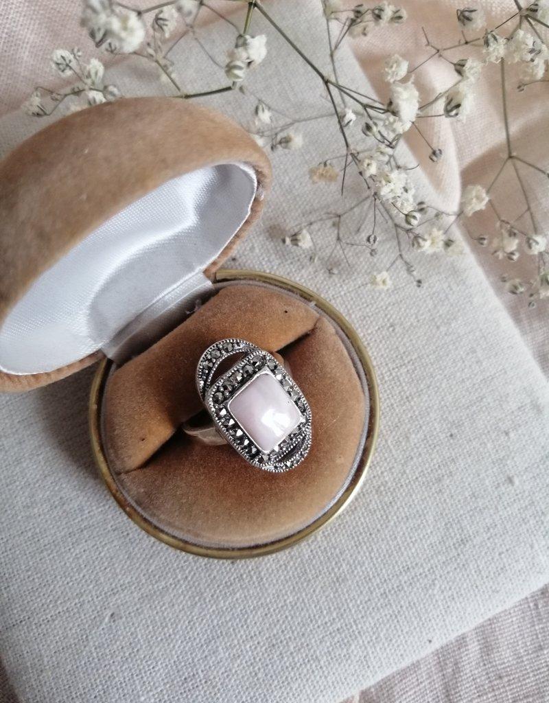 Ring roze parelmoer