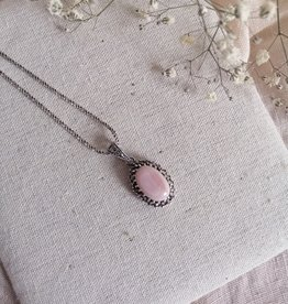 Necklace pink mother of pearl