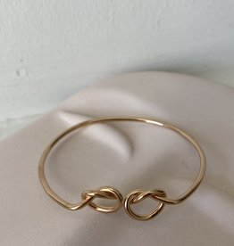 DOUBLE-KNOTTED BRACELET