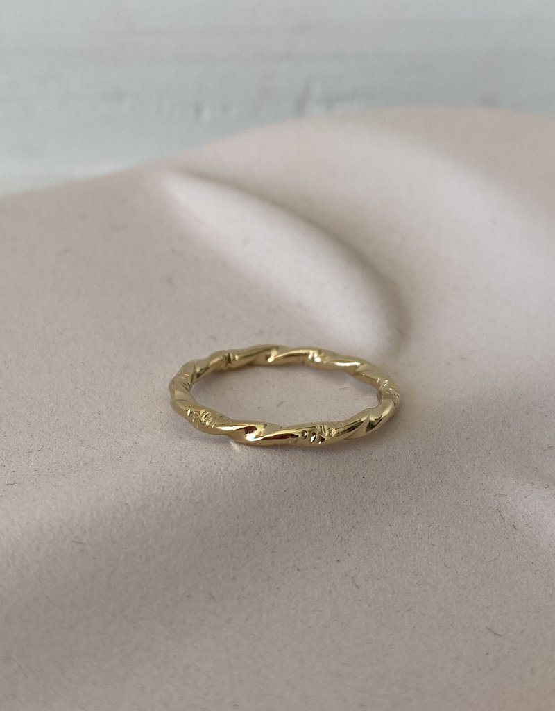 TWISTED RING s52