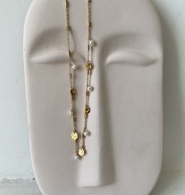 NECKLACE WITH CHARMS AND PEARLS