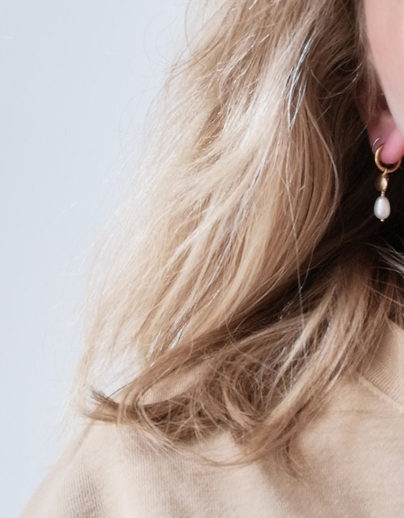 EARRINGS SHELL AND PEARL