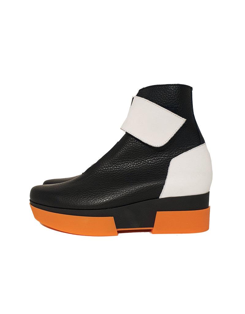 Arche enkellaarsje Fylizz zwart/oranje