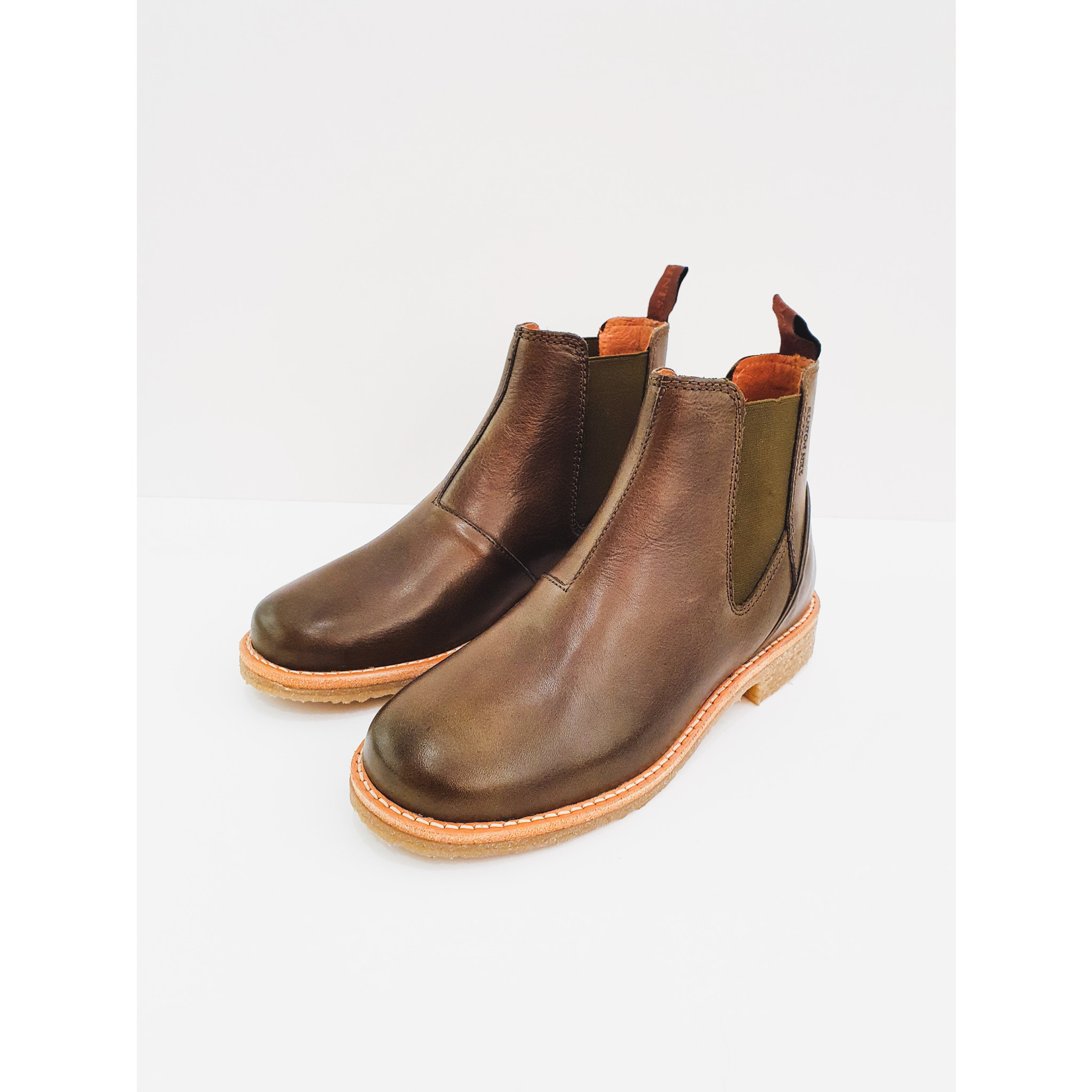 Forest green chelsea boots