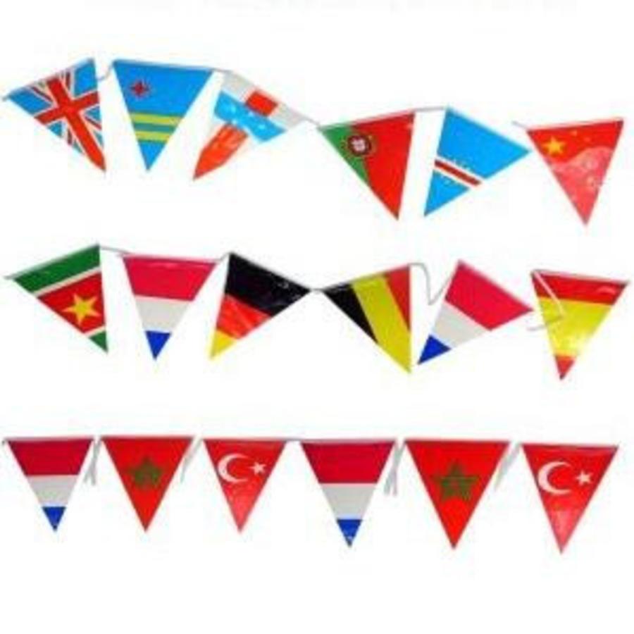 Vlaggenlijn met verschillende landen