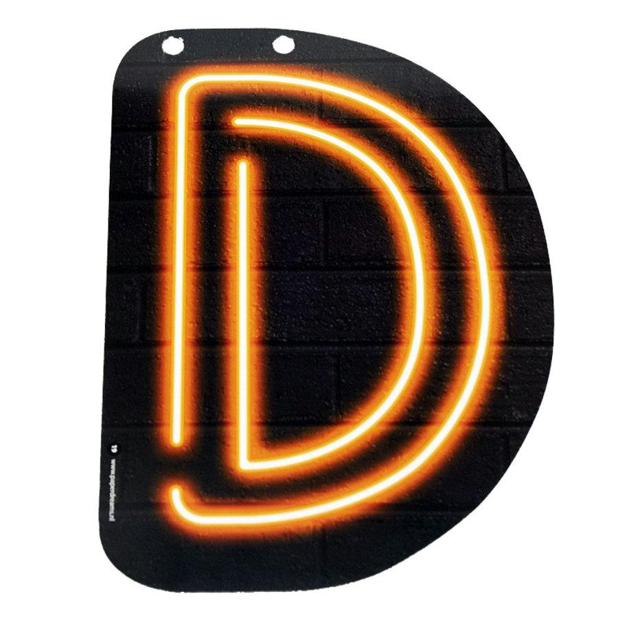 NEON letter D voor naamslinger