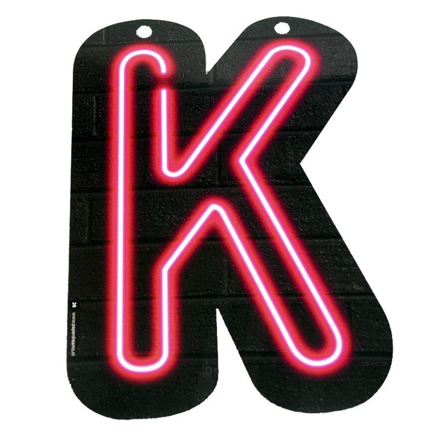 NEON letter K voor naamslinger