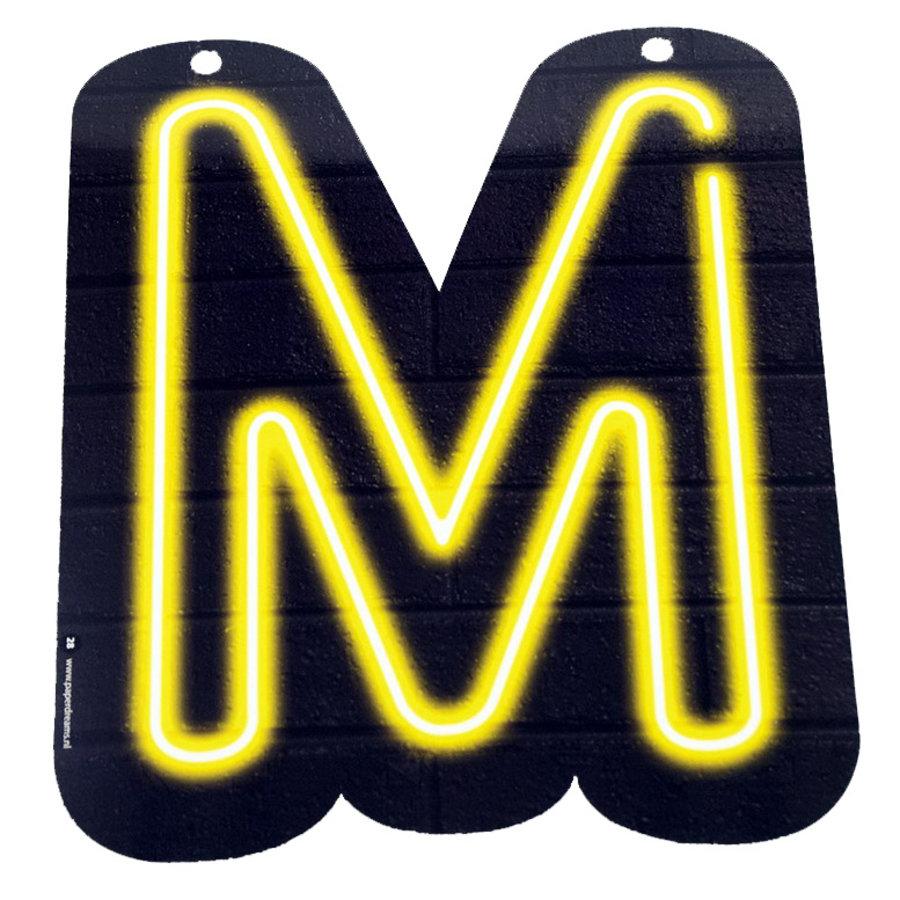 NEON letter M voor naamslinger