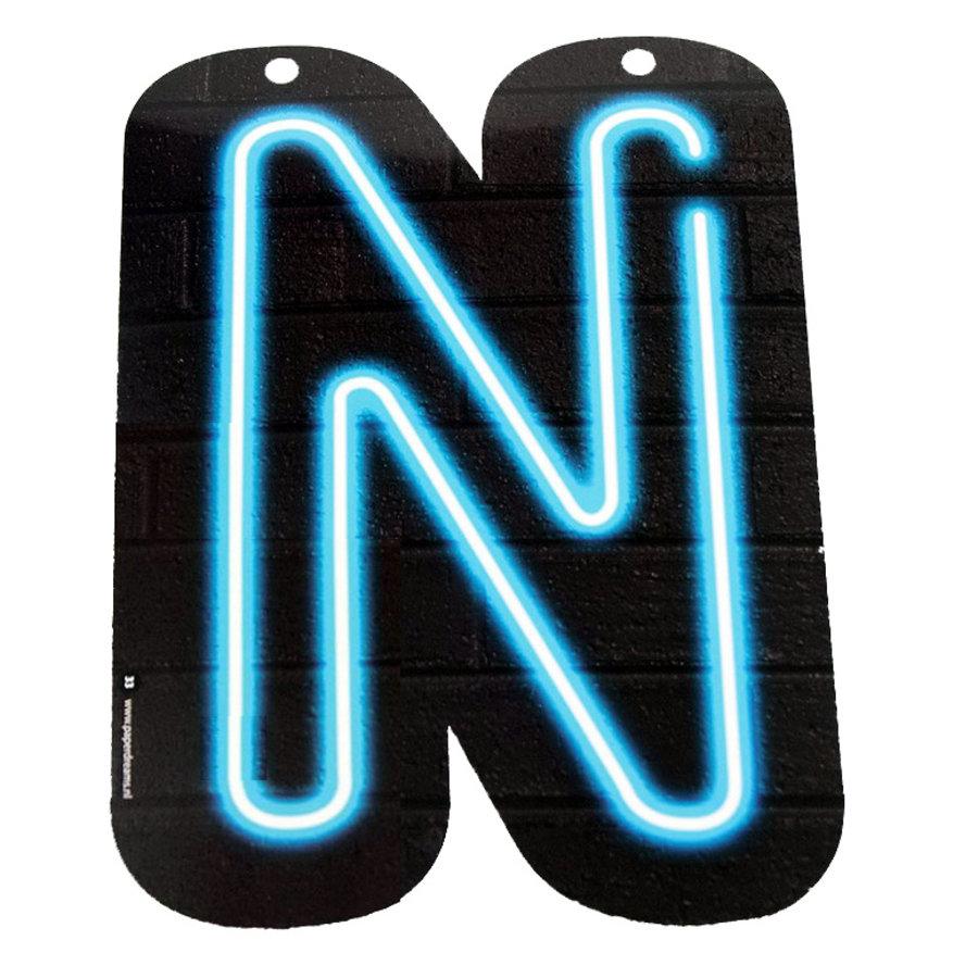 NEON letter N voor naamslinger