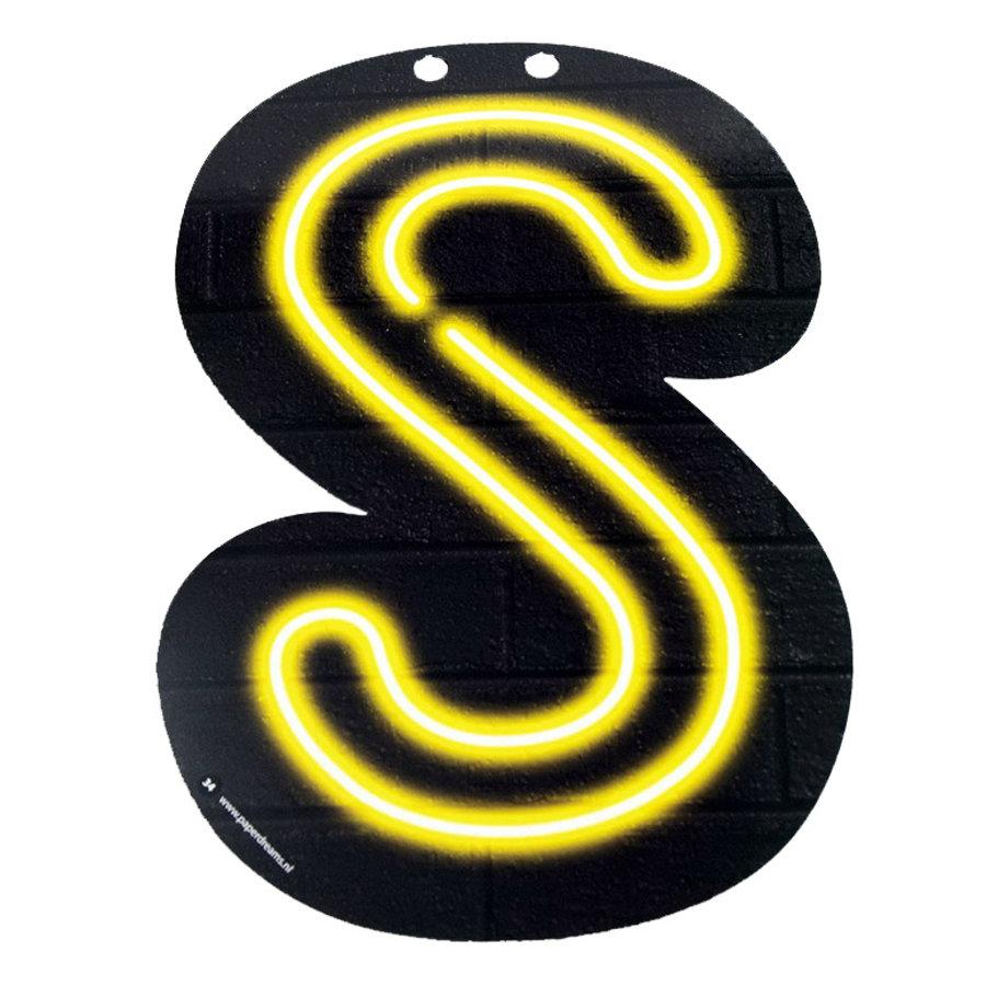 NEON letter S voor naamslinger