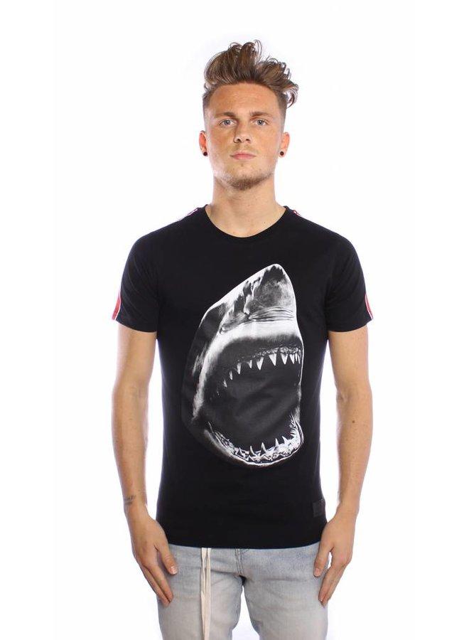 Conflict T-Shirt Shark Black