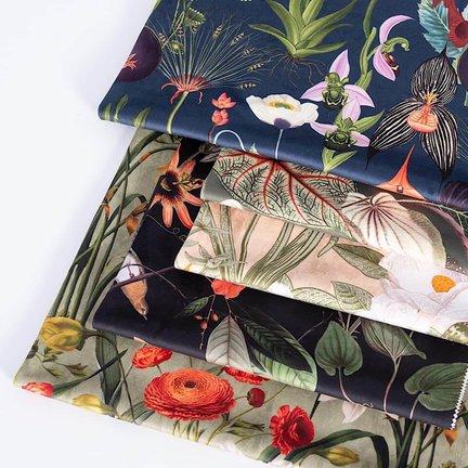 Velvet meubel-, decoratie-, of gordijnstof met digitale print.