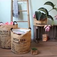 Geschenkkorb aus recyceltem Fairtrade