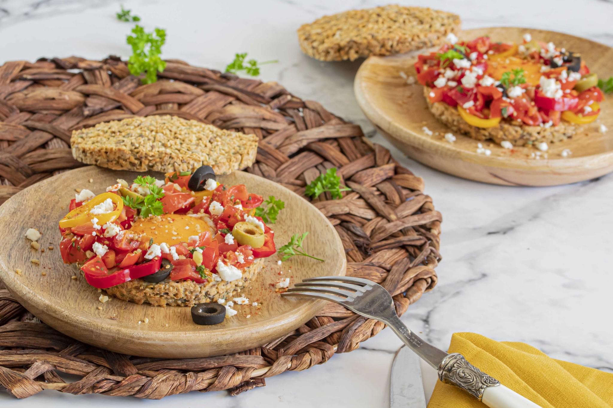 Paasbroodje met de bakmix van HighFibe en Dukkah