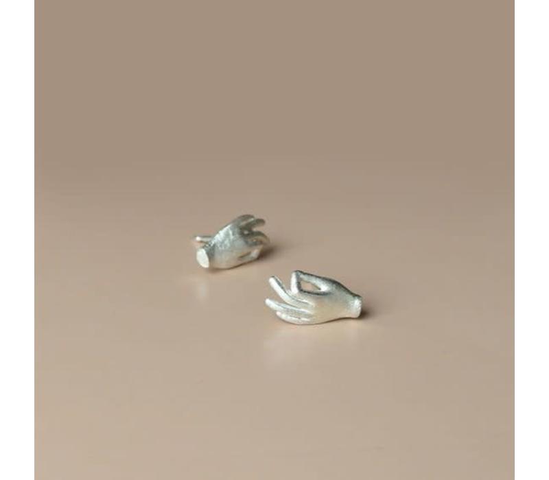 Âme Jewels - Hands Studs Earrings - Silver