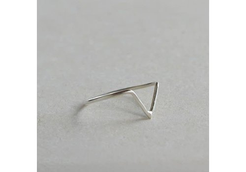 Âme Âme Jewels  - Triangle Chevron Ring - Silver