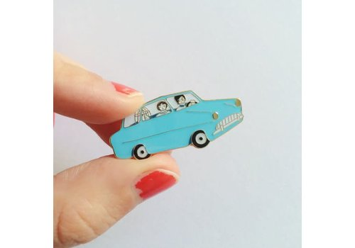 Lisa Junius Lisa Junius - Harry Potter - Ford Anglia Pin