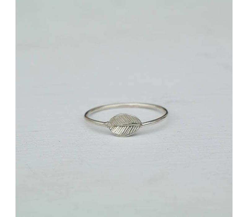 Âme Jewels - Leaf Ring