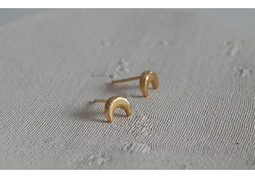 Âme Ame Jewels - Crescent Moon Earrings - Gold