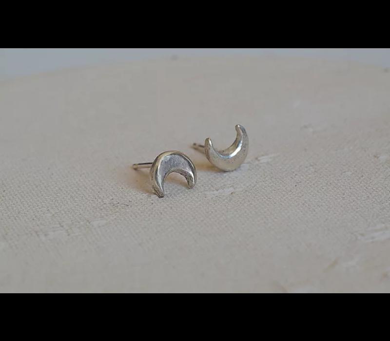 Âme Jewels - Crescent Moon Earrings - Silver