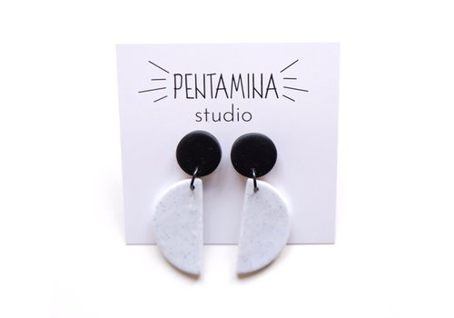 Pentamina Pentamina - Falling Semicircle Earrings - Black and White