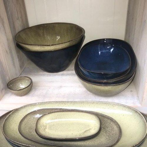 Stone blue & yellow tableware