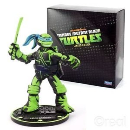 Teenage Mutant Ninja Turtles Limited edition - Leonardo Action Figure
