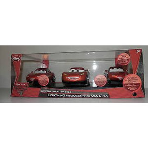 Disney Cars Limited Edition 1 of 5000 Lighting McQueen with Mia en Tia