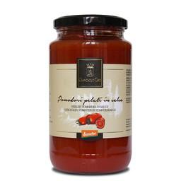 Gepelde tomaten in tomatensaus