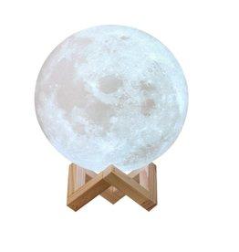 Parya Official 3D Maanlamp - LED op houten standaard