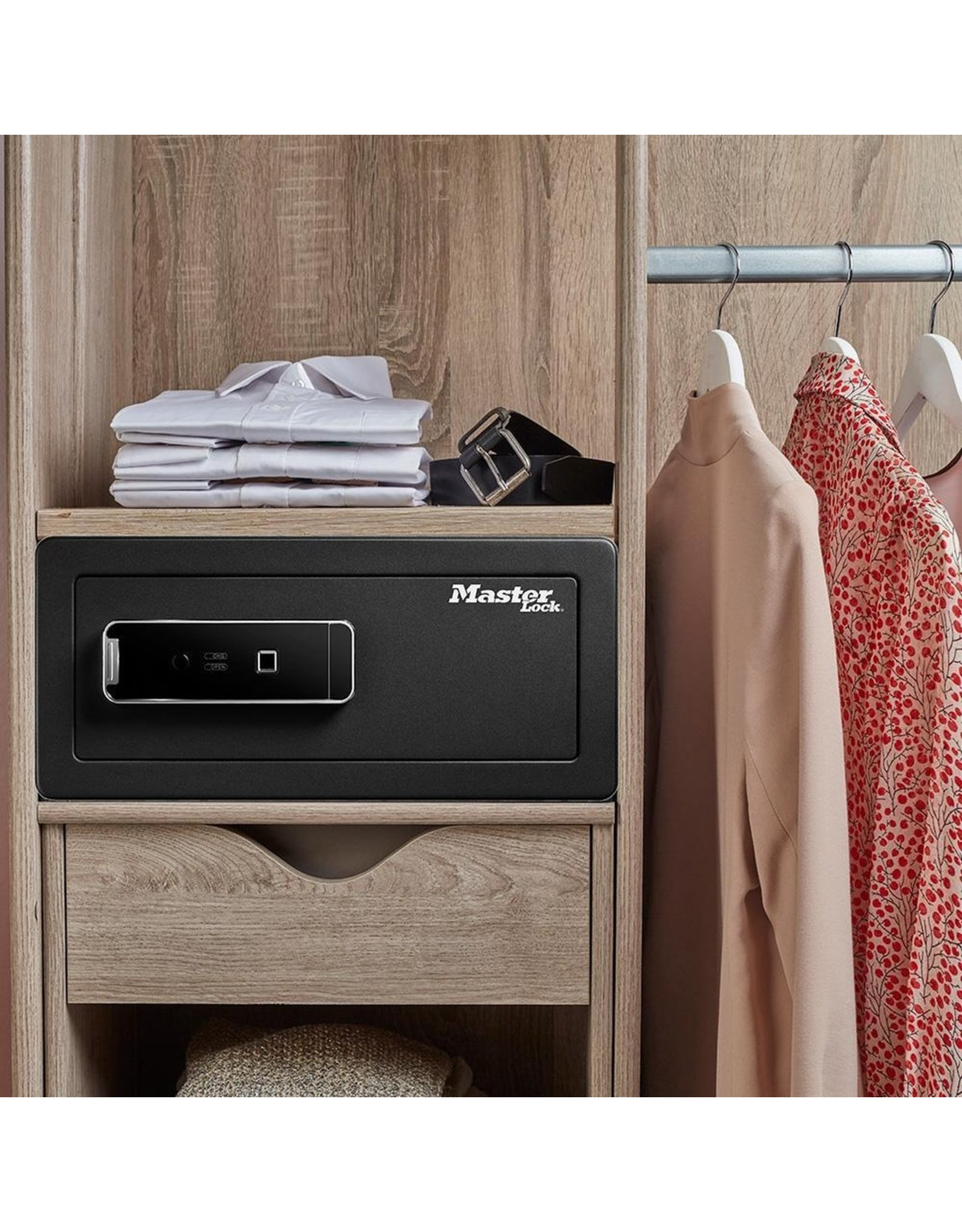 Masterlock - Biometric Safe -  With interior lighting
