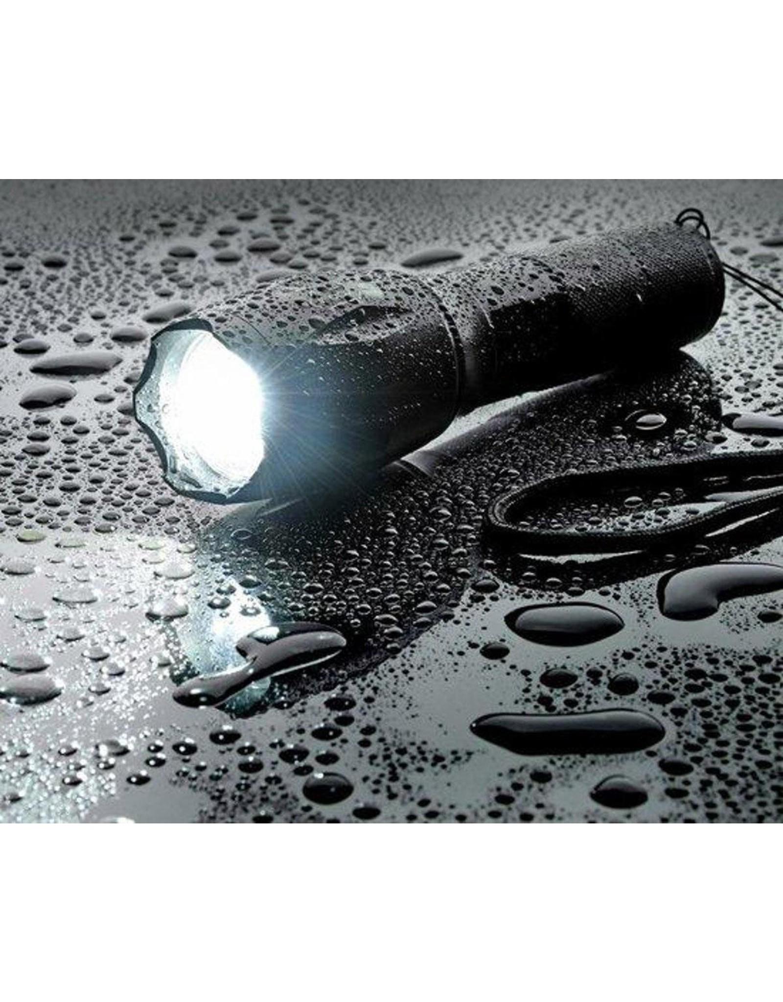Militaire zaklamp - LED zaklamp - 2000 Lumen - Inzoombaar - 2 stuks