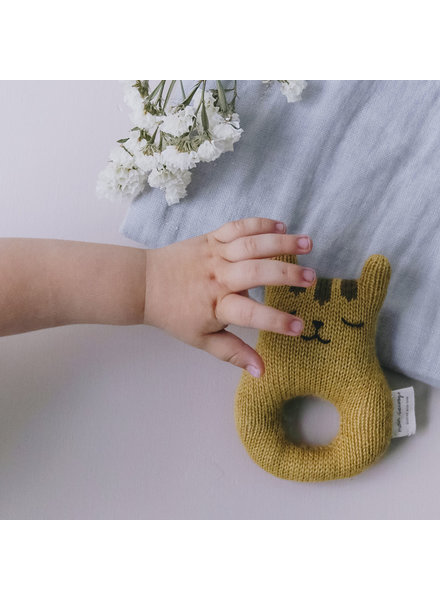 Main Sauvage Rattle tiger, mustard