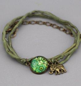 """Silk  bracelet """"Mehndi Muster grün"""""""
