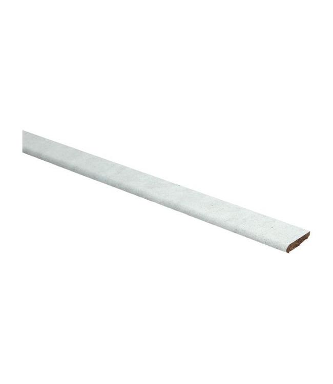 Beton witte plakplint voor laminaat