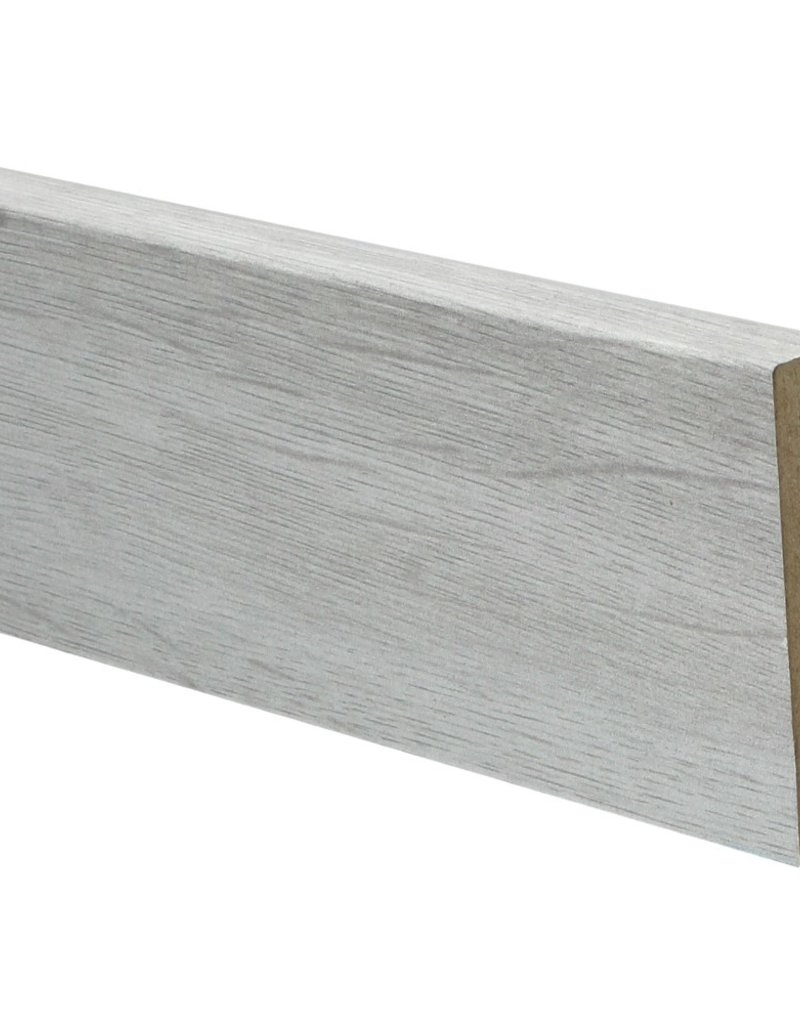 engelse eik lichtgrijs rechte hoge plint voor laminaat, pvc en parket
